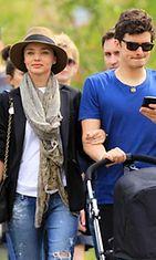 Miranda Kerr ja orlando Bloom rennolla päiväkävelyllä.