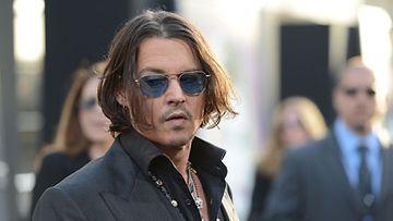 Johnny Depp putosi ratsailta,
