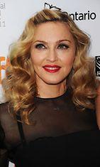 Madonnan huhutaan tehneen jotakin poskilleen. Kuva on vuodelta 2011.