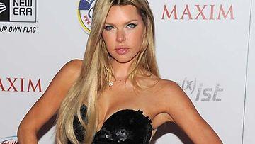 Sophie Monk sai tarjouksen Playboysta.