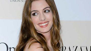 Anne Hathaway pitää ikääntymisestä.