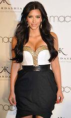 Kim Kardashian on todistanut, että ainakin hänen takamuksensa on aito.