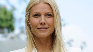 Gwyneth Paltrow harkitsee rintojen korjausta.