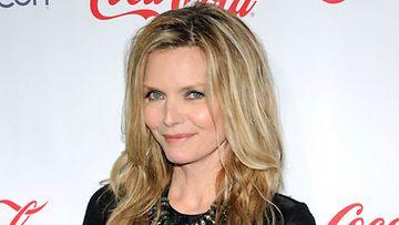 Äitiys oli kova paikka Michelle Pfeifferille.
