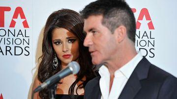 Simon Cowellin mielestä Cheryl Colen tulisi suhtautua julkisuuteen rennommin.