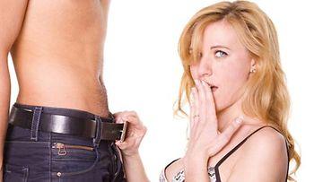 Paksu penis tuottaa naiselle suuren nautinnon.