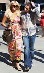 Paris Hilton on innostunut kehonrakennuksesta poikaystävänsä Cy Waitsin innostamana.