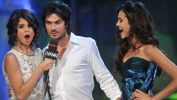 Selena Gomez, Ian Somerhalder ja Nina Dobrev MuchMusic Video Awards -gaalassa.