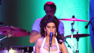 Amy Winehouse pistämässä elämää kuntoon?