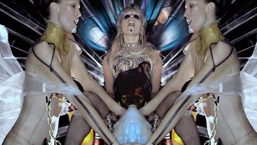Lady Gaga kutsuu itseään Mother Monsteriksi uudella videollaan.