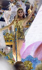 Mallikaunotar biletti ja rentoutui Rio De Janeirossa.