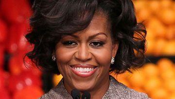 Michelle Obama kielsi lapsiltaan Facebookin.