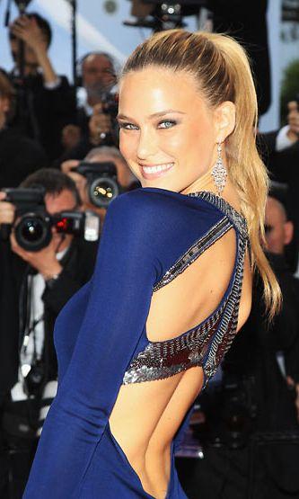 Bar Refaeli sädehti Cannesissa.