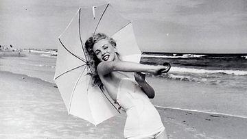 Marilyn Monroe vuoden 1949 kuvauksissa, kuvaajana Andre De Dienes.