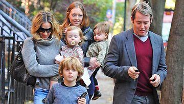 SJP:lla on miehensä kanssa yksi poika ja kaksi tytärtä.