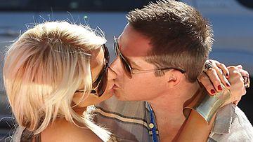 Rakastunut Paris Hilton ja Cy Waits.