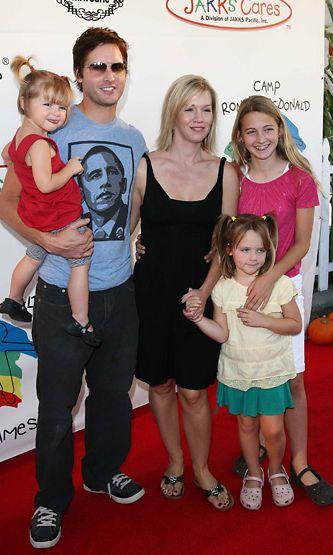 Peter Facinelli  ja Jennie Garth perheineen