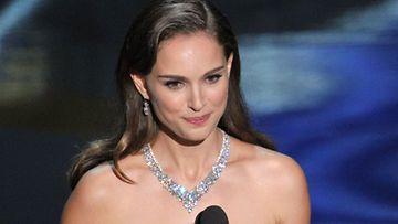 Natalie Portman Oscar-gaalassa 2012