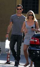 Jennifer Aniston ja Justin Theroux vierailulla Vatikaanissa kesäkuussa 2012.