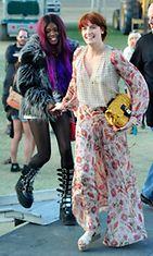 Azealia Banks yhdessä Florence Welchin kanssa Coachella-musiikkifestivaaleilla huhtikuussa 2012.