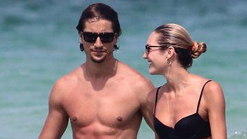 Candice Swanepoel ja poikaystävä Hermann Nicoli