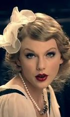 Taylor Swift Mean-musiikkivideollaan.