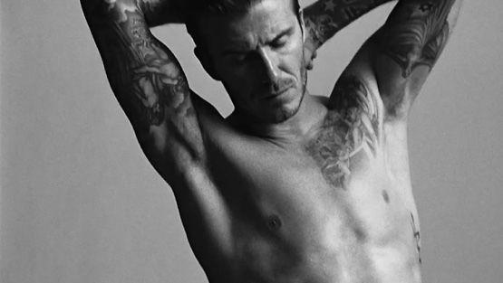 Jalkapalloilija David Beckham alusvaatemallistonsa mainoksessa