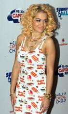 Rita Ora Lontoossa kesäkuussa 2012.