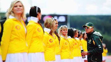 Heikki Kovalainen ja Grid Girlit, Belgian Formula One Grand Prix 2011