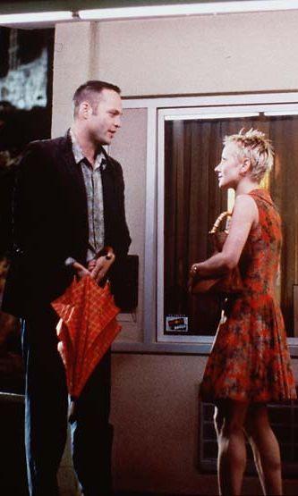 Anne Heche ja Vince Vaughn vuonna 1998 Psykossa.