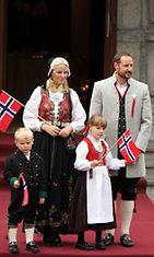 Sverre Magnus, Mette-Marit, Ingrid Alexandra ja Haakon