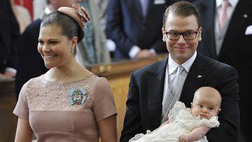 Prinsessa Victoria, prinssi Daniel ja prinsessa Estelle