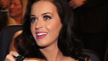 Katy Perry luottaa pinkkiin.