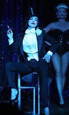 Dita Von Teesen Strip Strip Hooray! -burleskiesitys.