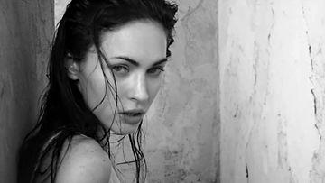 Megan Fox Armanin mainoksessa.