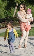 Jessica Alba tyttärineen.