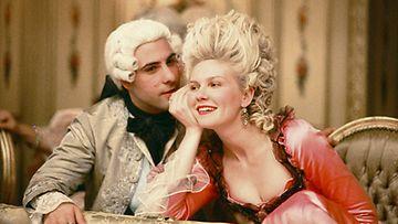 Kirsten Dunst näytteli Marie Antoinettea vuonna 2006.