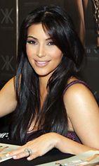 Kim Kardashian kokeili Botoxia, vaikkei tarvinnut sitä.
