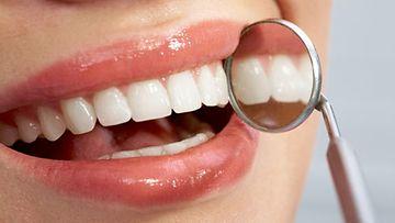 """""""Erittäin tärkeää on myös meidän hammaslääkärien toiminta: enemmän ystävällisyyttä, avoimuutta ja inhimillisyyttä!"""""""