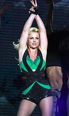 Lähteekö Britney Ke$han kanssa naku-uinnille?