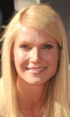 Gwyneth Hollywoodin Walk of Famella.