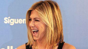 Jenniferin uusi hiusmalli on aiempaa lyhyempi ja vaaleampi.