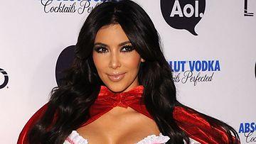 Kim julkaisi seksikkään kuvan.