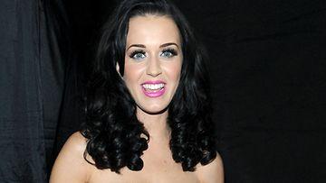 Katy Perry ei kestä Madonnan esityksiä.