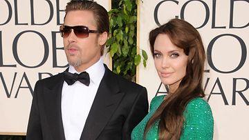 Angelina ja Brad Golden Globe -juhlissa.