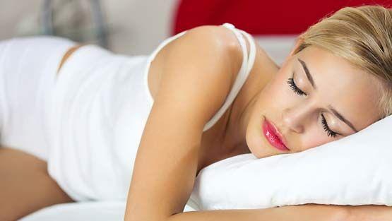 Vatsallaan Nukkuminen