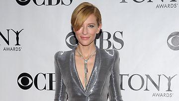 Cate Blanchett tähdittää Elisabetia.