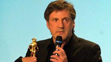 Daniel Auteuil pokkaa Italian arvostetuimman elokuvapalkinnon vuonna 2003.