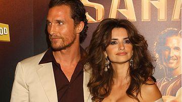 Matthew McConaughey ja Penélope Cruz rakastuivat Saharan kuvauksissa.