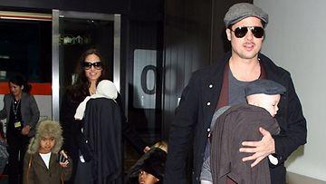 Brad Pitt perheineen.